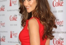 Minka Kelly has perfect hair (and makeup)