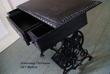 Столик на станине швейной машинки