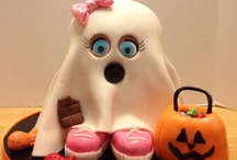 Halloween Themed Cakes - We Love These!