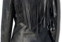 Kurtka Damska Ramoneska Klasyczna Frędzle na Plecach model #97 fashionavenue.pl / Kurtka Damska Ramoneska Klasyczna Frędzle na Plecach model #97 fashionavenue.pl