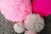 pompons / Pompons of tulle