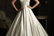 Wedding dresses / by Catherine Stollak