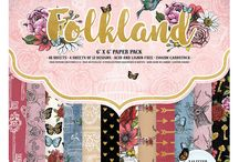 Dovecraft Folkland / Step into a world of chic bohemian prints with the enchanting Dovecraft Premium Folkland collection. Within the paper pack, explore pages adorned with floral illustrations, alongside butterflies and majestic stags, evoking a sense of fantasy and contemporary fairy tale magic. Find stunning gold foil and glitter detail amongst intricate patterns and a dreamy colour palette, adding extra charm to these designs.