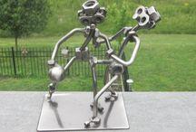 Bolt nut art
