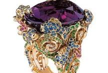 Dior jewel