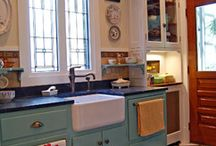 Farmhouse kitchens / by Pistol Patty (Patty Davis)