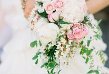 Wedding Bouquet : C A S C A D I N G / by Pretty Wedding