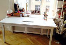 Vi sælger ud / Vi flytter i en virkelig lille lejlighed, så vi sælger alle vores ellers kære møbler. Kom og hent dem på Nørrebro.