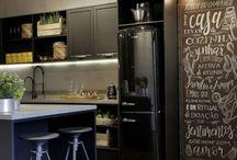Revestimentos de cozinha / Se inspire com cozinhas revestidas com lindos revetimentos.