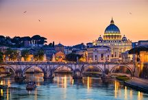 Rome / A Rome, vous trouverez, bien entendu, de très belles ruines de la période antique, reflet de la puissance de cet empire. Et auusi différents courants architecturaux. Leur visite, gratuite, vous permettra de découvrir des merveilles d'architectures et de décorations.