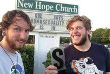 Reprodrozd / Mockingjay / Já vs. homofobie / Me vs. homophobia