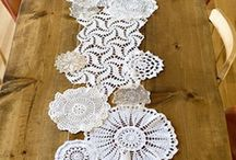 tablerunner doilies