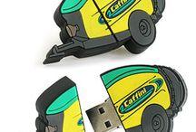 Chiavette USB Completamente Personalizzate / Disegna la tua Pen Drive Personalizza e noi la riproduciamo (2D o 3D).  Per maggiori informazioni:  http://bestpromotion.it/index.php/hi-tech-personalizzati-pubblicitari/disegna-pen-drive.html