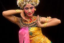 Indonesian dansers