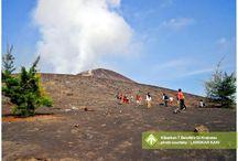 Kibarkan 7 Bendera Di Krakatau [operator : Langkah Kaki] / Kibarkan 7 Bendera Di Krakatau Gunung Krakatau, Sebesi Island August 16 - 18, 2013 Link : http://triptr.us/rq