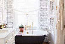 [[ Bathrooms ]]
