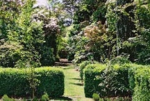 Beautiful Gardens / Pics of some inspiring gardens.