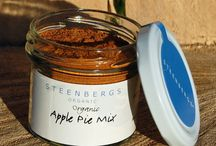 Pies, pies, pies (and crumbles) / apple pie, pumpkin pie, tasty treats for the family