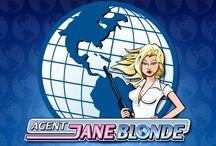 Agent Jane Blonde / Missione segreta! L'agente 007 questa volta è la bionda e sexy Agent Jane Blonde: non lasciarti ingannare, le sue armi e i suoi gadget sono potentissimi e ti aiuteranno a rintracciare le 10.000 monete nascoste nella slot. Trova 3 o più simboli scatter per ricevere 15 free spin. Tieni gli occhi sul tuo obiettivo!