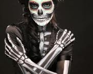 Dia de Los Muertos!!! / All things Day of the Dead....I love it! / by Roberta Phillips