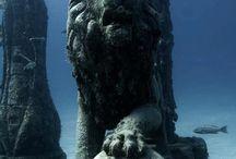 VÍZALATTI  régészet..... / tengerfenéken talált szobrok, épületek