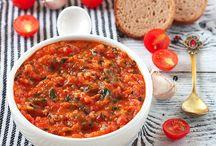 Соусы: томатные, аджика и т.д.