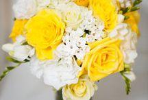 wedding flowers / by Laura Janét Gravesen