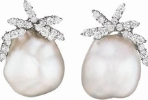 Pearl Earrings / Snazzy pearl earrings / by Kari Pearls