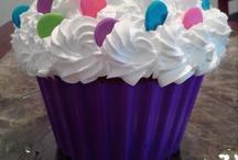 Giant Cupcake Cakes