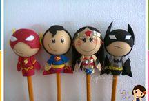 Fofuchas heroes para lápices