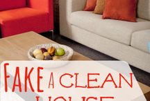 Homemaking: Cleaning / It is spring cleaning time! Come join me as we find new ways to  clean our homes. I know for me, it helps clear my mind when my home is clean. These tips and tricks have been so useful in keeping my home clean- and worshiping God through it! www.worshipfulliving.com