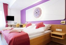 Edelsteinzimmer /  gemstone rooms / Unser kleines Hotel im Sauerland