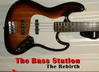 The Bass Station / House Melody Musik, with live Bass......Cool!