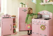 Play Kitchen  / Kitchen set ideas.. DIY or not & things