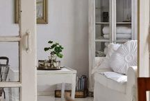 Lovely White / by Jann Owens
