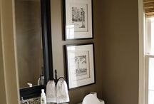 Bathrooms / by Roxane Farrar