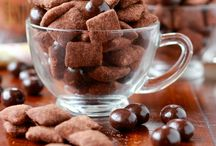 Puppy Chow Delights / by Giniene Kamps