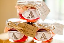 Favors / Wedding favors add the perfect touch to your special day. Call us at 616.356.2000 to learn more about our preferred vendors today.
