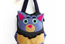 Tas Unik Kreasi / Salah satu produk tas handmade asli kreasi Indonesia, yang mendukung 100% recycle.