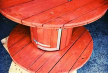 woden drum gril / We offer an amazing multifunctional wooden hand painted rustic table drum with an integral grill.