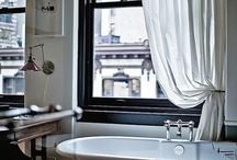 Bathrooms / by Darraugh Opelski