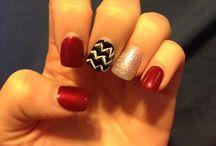 Nails / by Lindsey Bobbitt