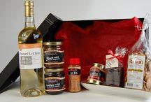 Idées cadeaux en direct du Pays Basque / Présentés et emballés avec soin, ces coffrets sont expédiés chez vous, ou de votre part à l'adresse de votre choix. Ce sont des présents de choix avec lesquels vous êtes sûrs de faire plaisir. Rendez vous sur http://www.petricorena.com/17-idees-cadeaux