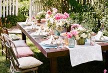 Elokuussa juhlat pihalla... / Garden party