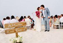 Casamento na Praia ♥ / Seja pela sinfonia única das ondas do mar ou pelo sol que aquece corações, a praia é um cenário escolhido pelos noivos para o casamento! As referências falam mais que mil palavras. ♥ #casamentonapraia #beachwedding #beach