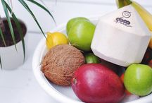 Raw Coconut Recipes / Did you know that raw coconut water and raw coconut meat has unlimited uses - from smoothies, soups, salads and desserts, this board will give you a burst of nutty inspiration.