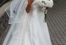 Le Spose di Carnevali Spose / Vestire una sposa non è solo cucirle un abito. Per Carnevali Spose è prenderla per mano e accompagnarla fino al suo giorno speciale!