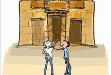 Dummie de Mummie / Darwishi Ur-Atum Msamaki Minkabh Ishaq Eboni oftewel Dummie, komt bij toeval door een bliksemschicht tot leven. Hij gaat langdurig logeren bij Klaas en Goos in Polderdam. Hij gaat met Goos mee naar school en ontmoet daar meester Krabbel. Met elkaar beleven ze thuis, op school en in Egypte allerlei spannende avonturen. De boeken over Dummie zitten vol grappen en grollen en zijn geïllustreerd met leuke tekeningen van de hand van Elly Hees.