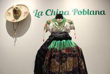 La China Poblana /  La china poblana ha sido una de las figuras populares más pintadas, estampadas y fotografiadas desde la época colonial dentro del panorama cultural mexicano.
