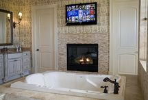 Bathrom Fit For A Queen / by Julie Baker